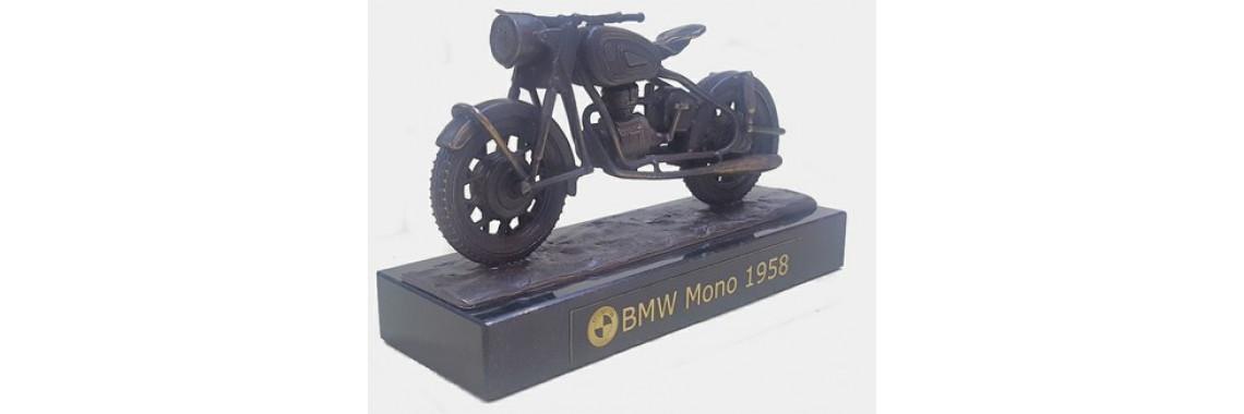 BMW in tin