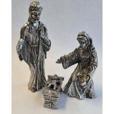 Jozef,Maria en Jezus. gepatineerd glanzend tin.